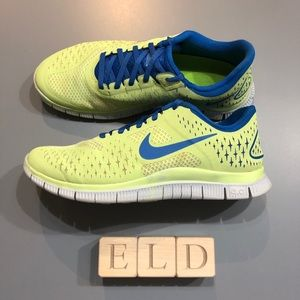 Nike Free 4.0 v2 Lightweight Lace Up Running Shoes